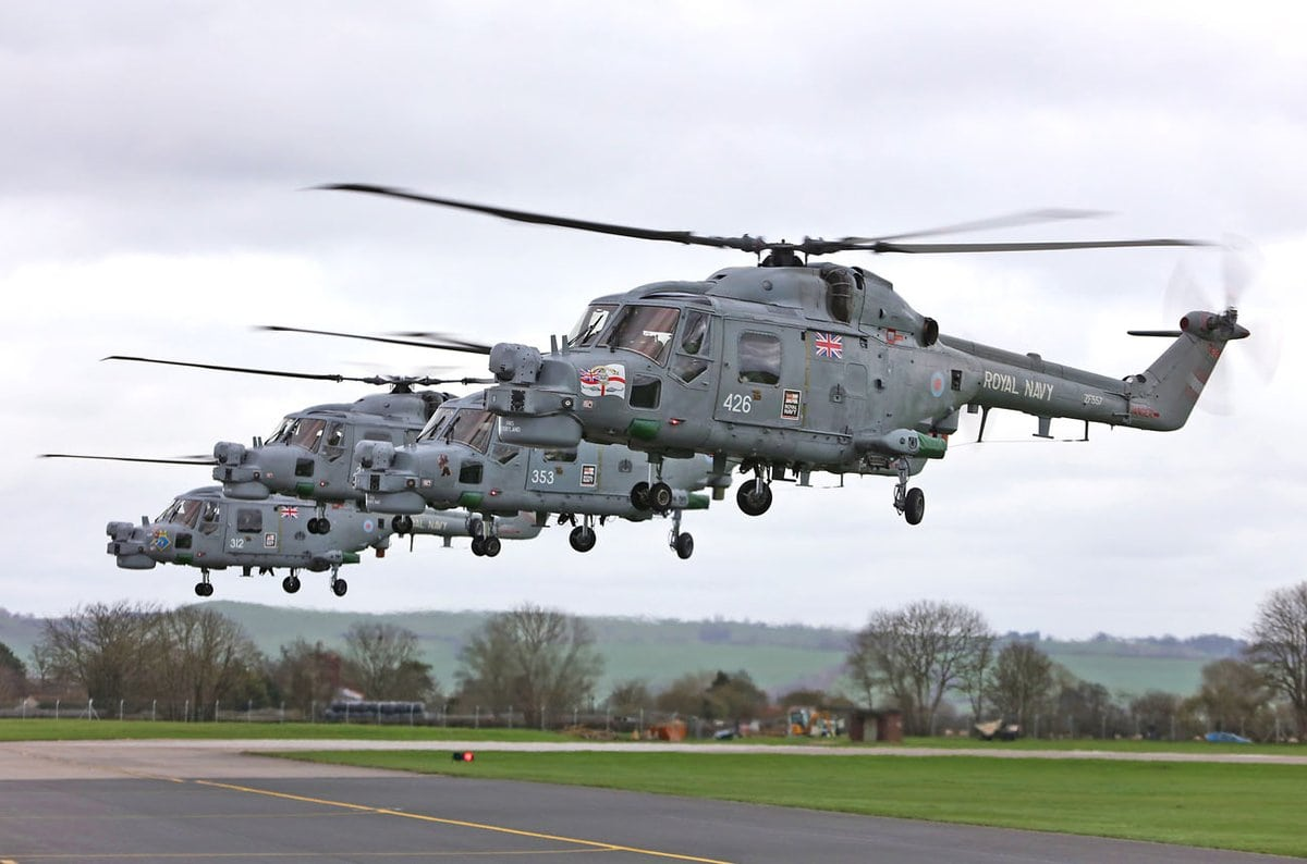 Four Lynx Mk8 flew across Southern England to bid a fond farewell as she bows out of service on 31 March